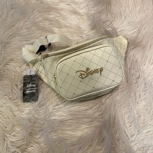 LOUNGEFLY DISNEY LOGO QUILTED FANNY PACK